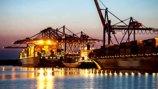 Contenitore il porto di Amburgo, Germania