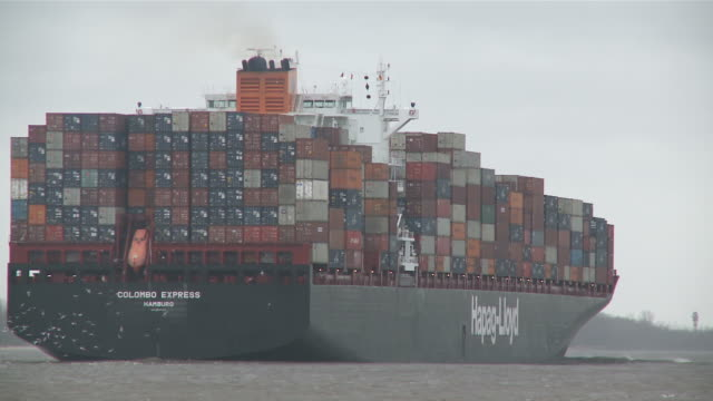 ms container ship moving on river elbe / hamburg, hamburg, germany - river elbe stock videos & royalty-free footage