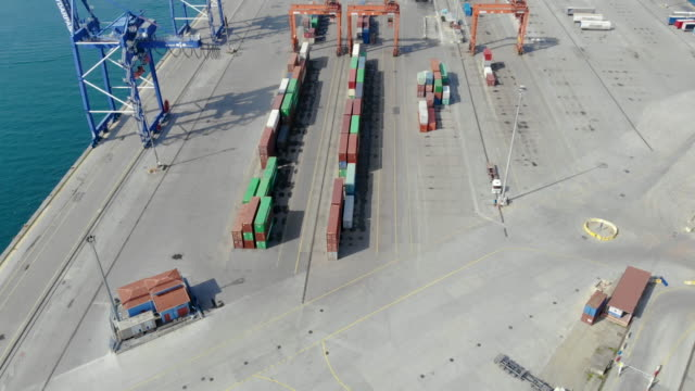 containers in yard at port of istanbul - ozgurdonmaz stock videos and b-roll footage