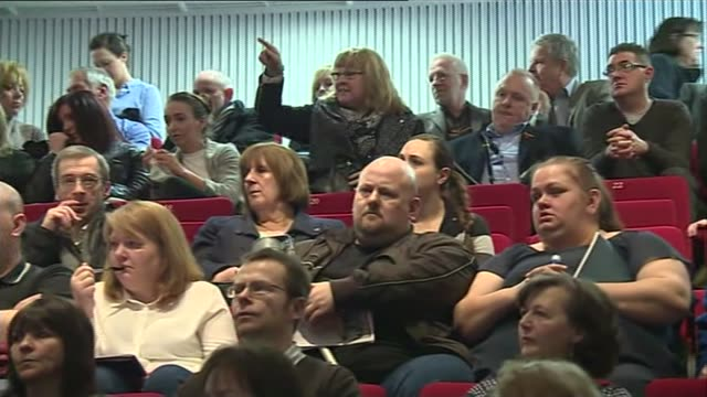 stockvideo's en b-roll-footage met penrose report published / cameron apology; scotland: edinburgh: int woman shouting from audience at penrose inquiry press conference sot - whitewash... - publicatie