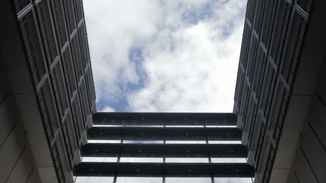 Une architecture contemporaine, le temps qui passe, Amsterdam, aux Pays-Bas