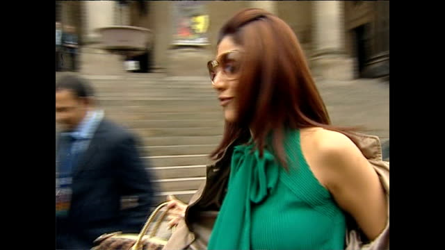 contestant evicted from big brother reality show for using racist language yorkshire castleford ext shilpa shetty signing autographs shilpa shetty... - autogramm stock-videos und b-roll-filmmaterial