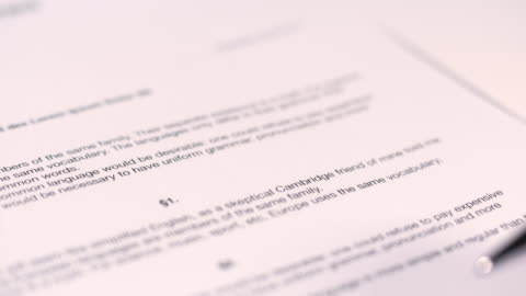 契約の - paperwork点の映像素材/bロール