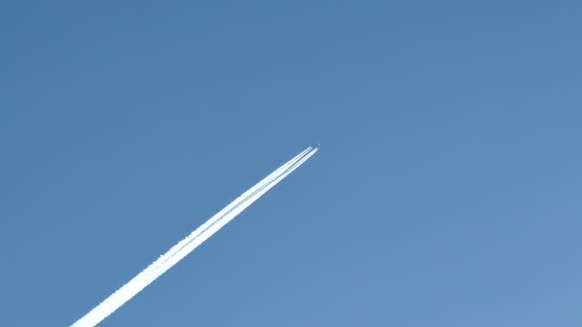 contrails - vapour trail stock videos & royalty-free footage