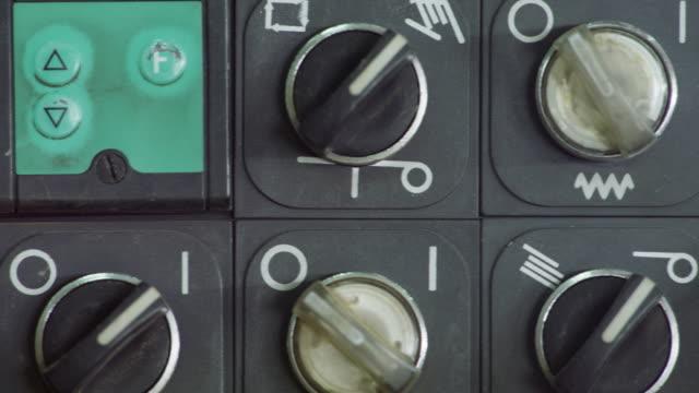 vídeos y material grabado en eventos de stock de ecu pan control dials on machinery - dial