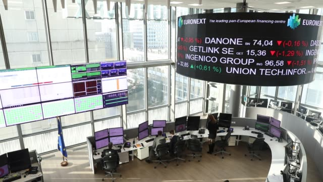 control room of euronext the operator of the paris stock exchange circular screens indicate the evolution of the stock market price on november 21... - paris stock exchange stock videos & royalty-free footage