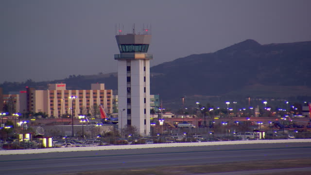 control tower at the bob hope airport - burbank stock-videos und b-roll-filmmaterial