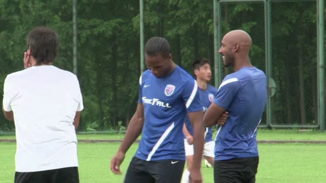 Controversial French striker Nicolas Anelka sought to relaunch his career Monday by signing up for the nascent Indian Super League six months after...