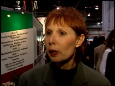 vídeos y material grabado en eventos de stock de convention at the natpe convention on january 25 1995 - natpe