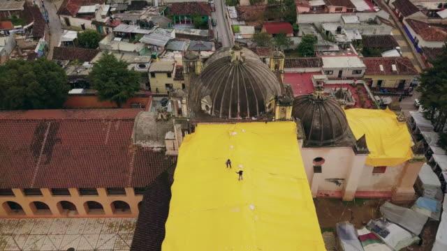 stockvideo's en b-roll-footage met convento de santo domingo in san cristobal de las casas - city of neighbors: give once for all film title
