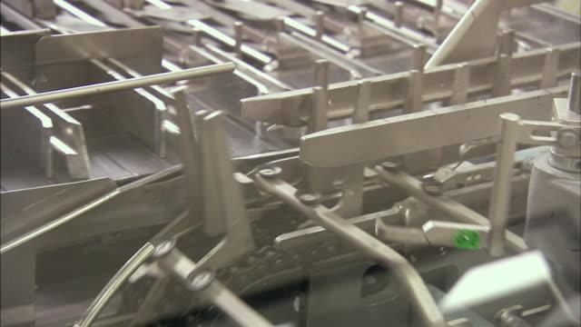 cu conveyor belt in motion, boxmeer, netherlands - boxmeer video stock e b–roll