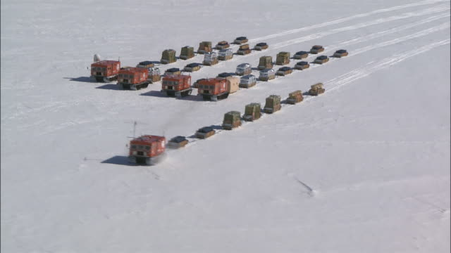 convoy of snowmobiles across antarctic - convoy stock videos & royalty-free footage