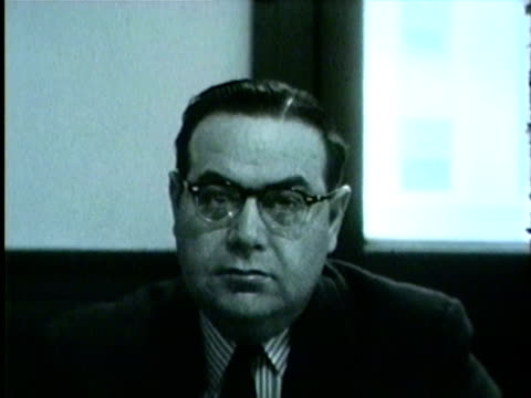 vidéos et rushes de wgn cook county sheriff joseph lohman gives a message about being a safe driver on new years eve on december 31 1955 in chicago - 1955