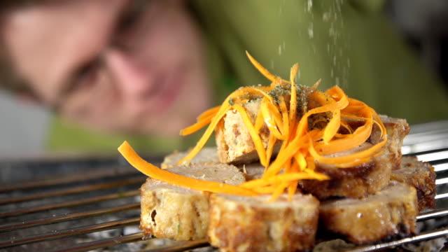 slo mo cook seasoning the steak - pepper pot stock videos & royalty-free footage