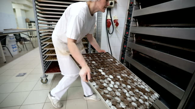 vidéos et rushes de prêt à cuire au four les cookies - charlotte médicale ou sanitaire
