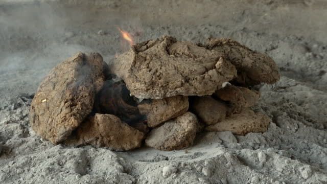 Cooking Food in Cow Dung