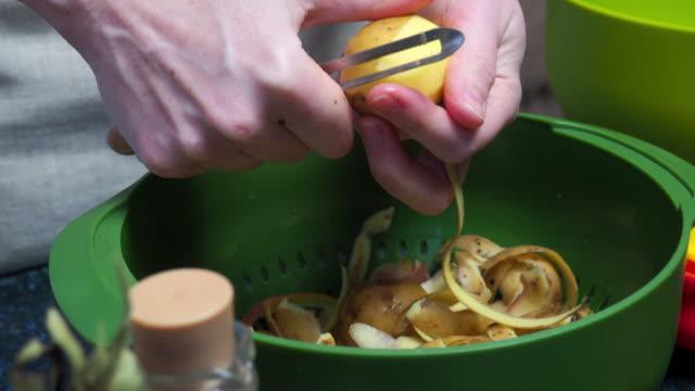 matlagning grönsakssoppa - skal plantdel bildbanksvideor och videomaterial från bakom kulisserna
