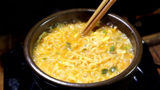 cooking ramen - ramen noodles stock videos & royalty-free footage