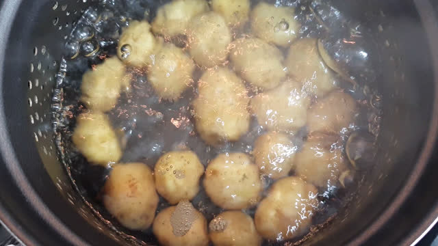 cooking small potatoes - boiling stock videos & royalty-free footage