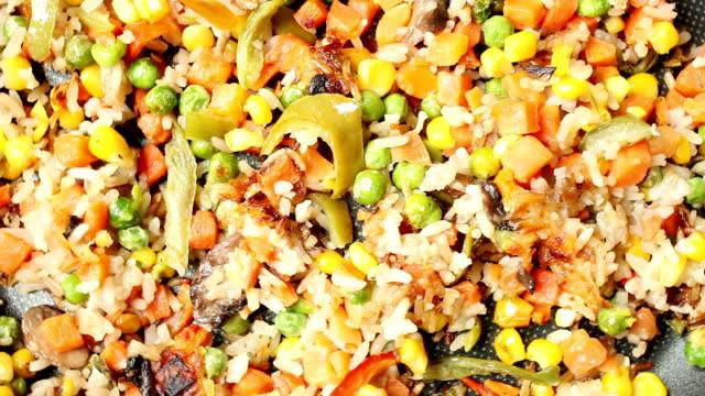 野菜の料理 - オレンジピーマン点の映像素材/bロール