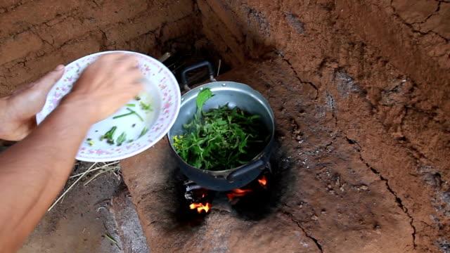 Kochen mit Schlamm stoe