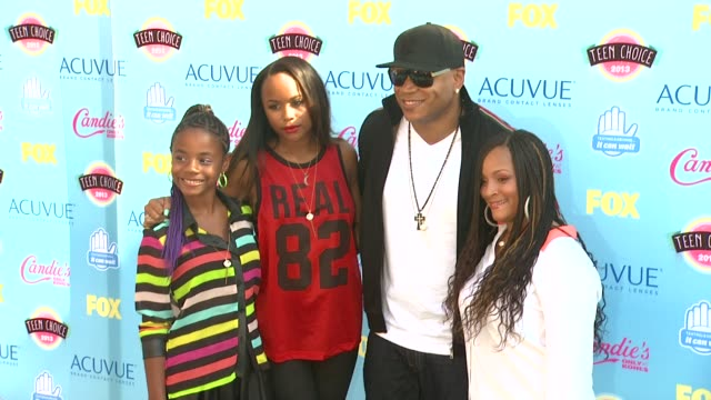 ll cool j at 2013 teen choice awards arrivals on 8/11/2013 in universal city ca - ll cool j stock videos and b-roll footage