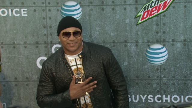 ll cool j at spike tv's guys choice 2015 at sony pictures studios on june 06 2015 in culver city california - ll cool j stock videos and b-roll footage