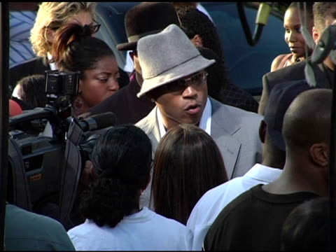 ll cool j at the bet comedy awards at pasadena civic auditorium in pasadena california on september 28 2004 - ll cool j stock videos and b-roll footage