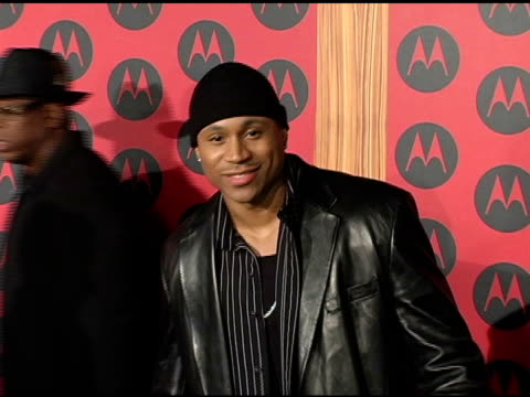 vídeos y material grabado en eventos de stock de cool j at the motorola 6th anniversary holiday party arrivals at the music box theater in hollywood, california on december 2, 2004. - motorola