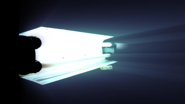 cool lights - lichttyp stock-videos und b-roll-filmmaterial