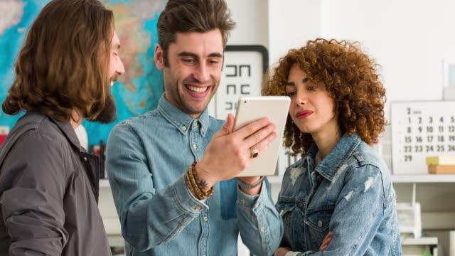 vidéos et rushes de idées de projet cool - bring your own device