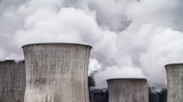 Kühlturm eines Kohle gefeuerten Kraftwerk