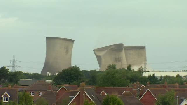 cooling towers at didcot a power station in berkshire, demolished, spectators in background applauding and cheering - bombing stock videos & royalty-free footage