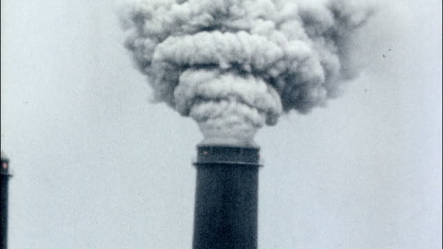 stockvideo's en b-roll-footage met cu cooling towers of a nuclear reactor power plant nuclear reactor cooling towers on january 01 1970 - kernreactor
