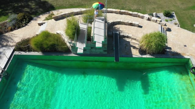 cooling - freibad stock-videos und b-roll-filmmaterial