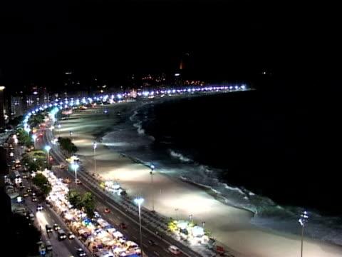 copacabana and sugar loaf at night - naturwunder stock-videos und b-roll-filmmaterial