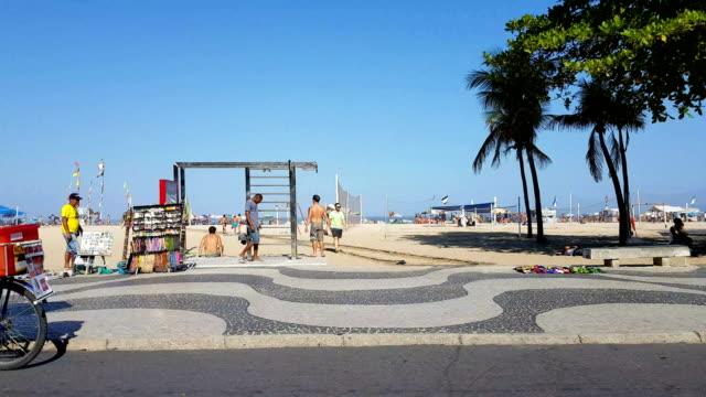 vídeos de stock e filmes b-roll de copacabana beach - copacabana