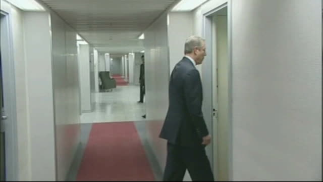 agreement still not reached denmark copenhagen un climate change summit int *flashlight photogrpahy* gordon brown mp and al gore along corridor into... - gore stock videos and b-roll footage