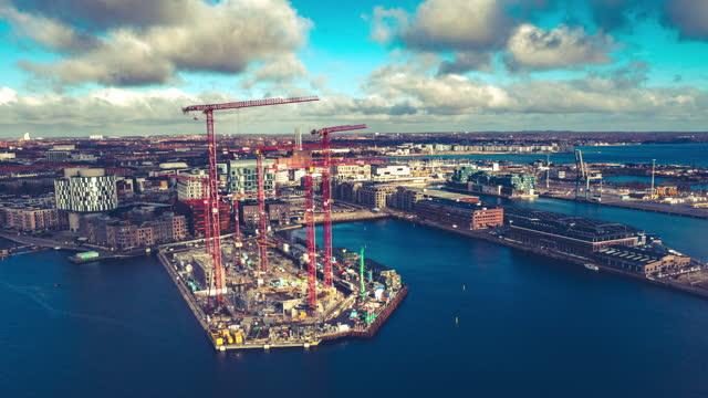 copenhagen hyperlapse: modern architecture - crane construction machinery stock videos & royalty-free footage