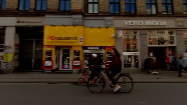 copenhagen nørrebro vi synced series right view driving process plate - copenhagen video stock e b–roll