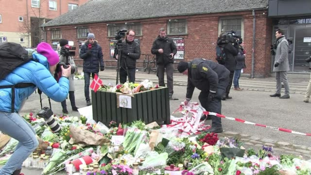 stockvideo's en b-roll-footage met copenhagen police tuesday cordoned off an area around the site of a deadly weekend attack after discovering a suspicious letter but later said no... - terrorisme