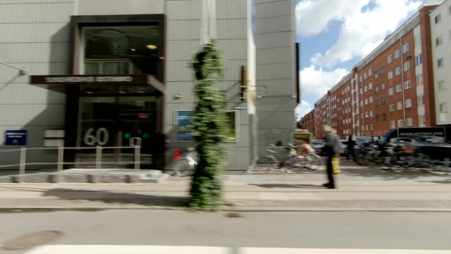 copenhagen østerbro i synced series left view driving process plate - plate stock videos & royalty-free footage