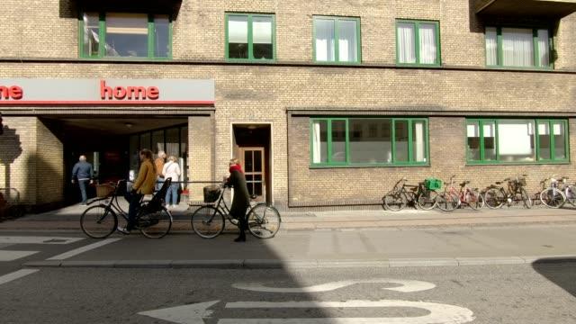 kopenhagen-xvii synchronisiert serie rechts fahren studio-prozess-platte-hintergrund - stadtansicht stock-videos und b-roll-filmmaterial