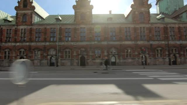 kopenhagen-xviii synchronisiert serie links fahren studio-prozess-platte-hintergrund - seitenansicht stock-videos und b-roll-filmmaterial