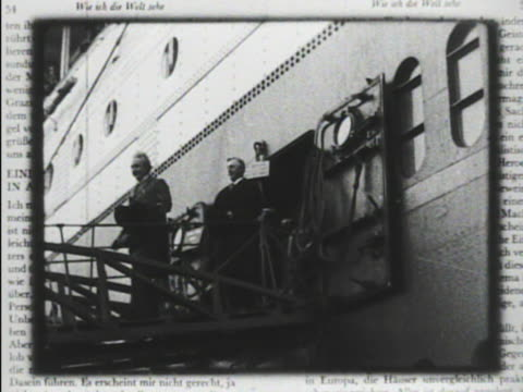 vídeos de stock, filmes e b-roll de copies of 'mein weltbild' book by theoretical physicist albert einstein cu page mot 1930 san diego *albert einstein walking off ocean liner female... - albert einstein