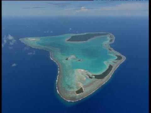 coral atoll, aitutaki - aitutaki stock videos & royalty-free footage