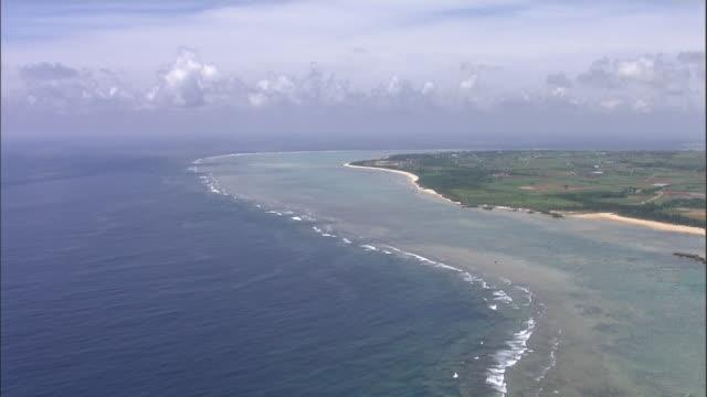 vidéos et rushes de coral reef, ishigaki island, okinawa prefecture, aerial shot - stratosphère
