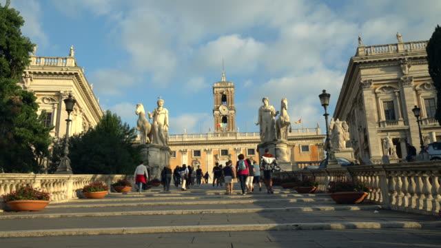 cordonata capitolina in rome - famous place video stock e b–roll