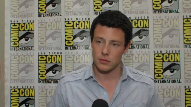 corey monteith on watching the second episode of glee with an audience at comiccon on his character and on working with ryan murphy at the comiccon... - glee tv show stock videos and b-roll footage