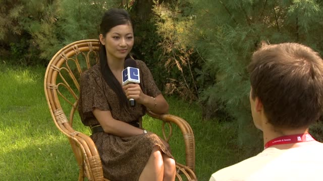 vidéos et rushes de corinne yam at the love and bruises interviews venice film festival 2011 at venice - igname